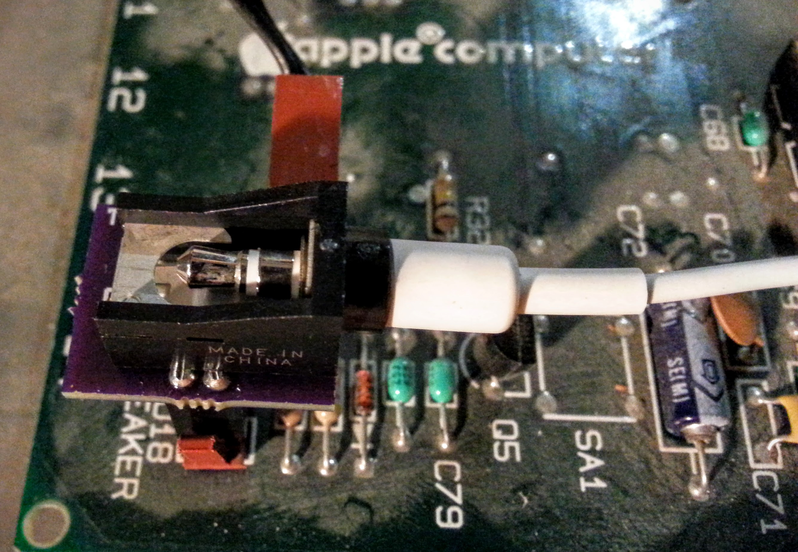 Speaker/Headphone adapter for Apple II